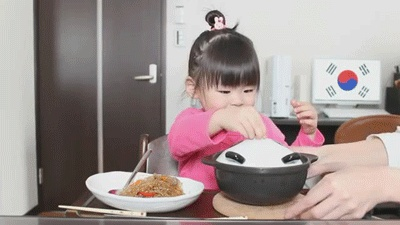 Meet The Most Adorable Japanese Girl Who Really Loves Her Food