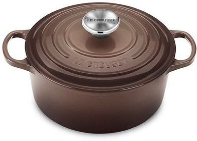 LE CREUSET ROUND CASSEROLE FRENCH OVEN 4.5 QT TRUFFLE NEW IN BOX FREE USA SHIP