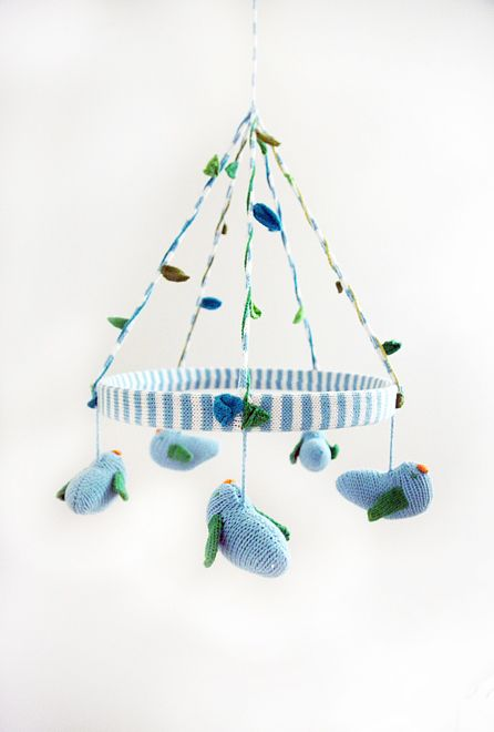 Crochet mobile from Giggle  http://www.theglow.com/ana-lerario-geller/?i#18