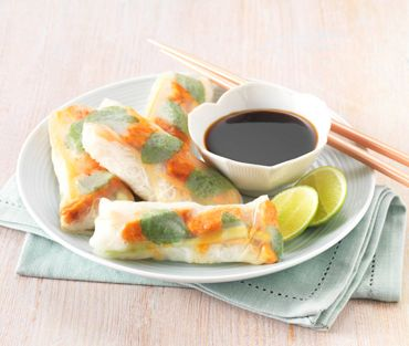 RICE PAPER ROLLS WITH QUORN SWEET CHILLI STRIPS