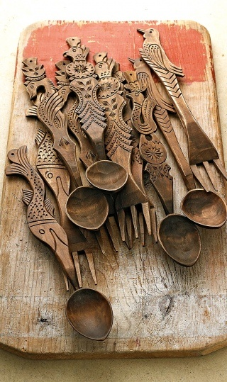 Carved Wooden Servers: handcrafted in Romania