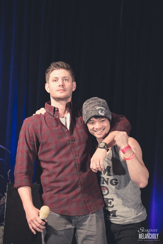 These cuties :D Jensen Ackles and Osric Chau, Sunday, Salute to Supernatural Chicago 2013