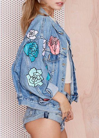 .I want to make this denim jacket. Gorgeous.
