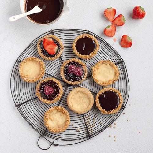 Tartelettes au chocolat fondant et sirop de fraise Teisseire - Marie Claire Maison