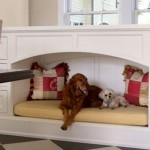 While the world is full of cat lovers with crazy catios (cat patios), there are also a growing number of dog enthusiasts that are seeking ways to accommodate their pets while remaining stylish. These built-in dog beds do just that.Kitchens, Dogs Beds, Ideas, Pets Beds, Doggie Beds, Built In, Dogs House, Dog Beds, Dogs Nooks