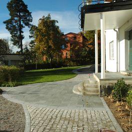 Saltsjö-Duvnäs garden, cobble stone, stone, entrance