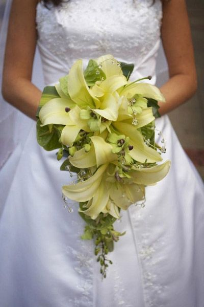 Hanging Basket Florist in Rockingham can help create a beautiful bouquet just like this for you..