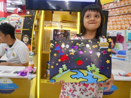Berbagi ide kreasi Space Sketcher bersama Galeri Akal di zona S-26 Procal Gold Space Trip #galeriakal Untuk berbagi ide dan kreasi seru si Kecil lainnya, yuk kunjungi website Galeri Akal di www.galeriakal.com Mam!