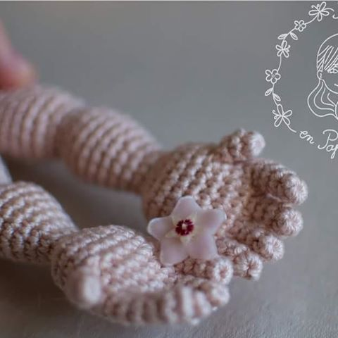 I just can't have enough of tiny hands #crochetdoll #tiny #trippleproject #papillonenpapier