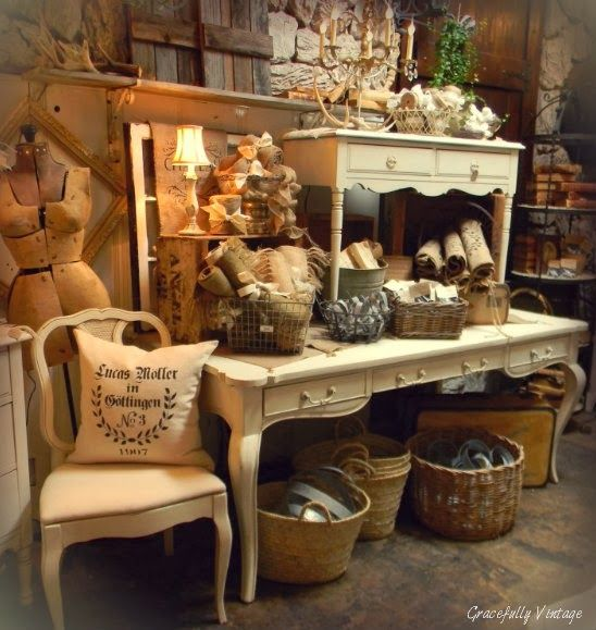 Vintage Show Off: Tips for a Narrow Booth - Make the Narrow Wall Look Wider
