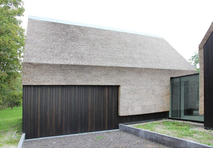 Really like this. Form of the structure in one fluid material without obvious transitions. Outside-in' – Residence in Goes / grassodenridder_architecten