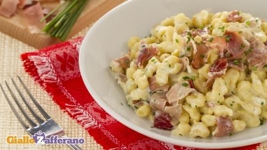 Ricetta Spatzle panna e speck - Le Ricette di GialloZafferano.it: Italian Cuisine, Italian Kitchens, Italian Food, Pasta Recipes, Recipes, Primi Di, Cooking, Favorite Recipes, Favorite Food