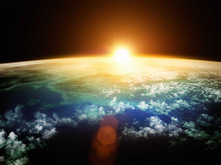 In questi anni si sono rincorse le due teorie. Siamo sull'orlo di una nuova era glaciale oppure il riscaldamento globale scioglierà i ghiacci dei poli?