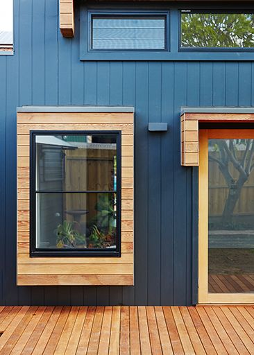Weathertext 'Weathergroove' & Woodform Architectural Panels in Western Red Cedar in Sorrento profile