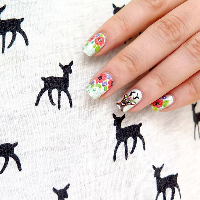 It's no suprise that I love deers! Here I'm wearing cute deer tshirt and freehand boho nail art 🌸🌸🌸 Do You like deer inspired designs? #deer #deernails #boho #bohochic #bohonails #bohostyle #deers #jelonki #jeleń #paznokcie #zdobieniepaznokci #girly #floralnails #flowernails #bohodesign #freehandnailart #awesomenails