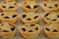 Mincemeat Pies Recipe - Joyofbaking.com *Tested Recipe* - I'm not a huge fan of mincemeat, but I made these for my Dad who is British and he absolutely loved them. Said they were just like the English ones and very delicious. I'll be using this recipe again for him for sure!     *Another note: I didn't make the star tops. I just did regular tops, cut out of circles.