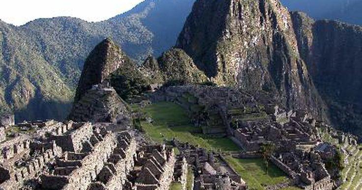 """Sobre el Día De La Canción Criolla . El 31 de octubre es el """"Día de la Música Criolla"""" en Perú. La música criolla es la música nacional de Perú, y su importancia en la cultura peruana se puede comparar con la importancia del tango en la cultura argentina y la ranchera en la cultura mexicana. La música criolla es una fusión de la música nativa peruana, africana y española. El día de ..."""