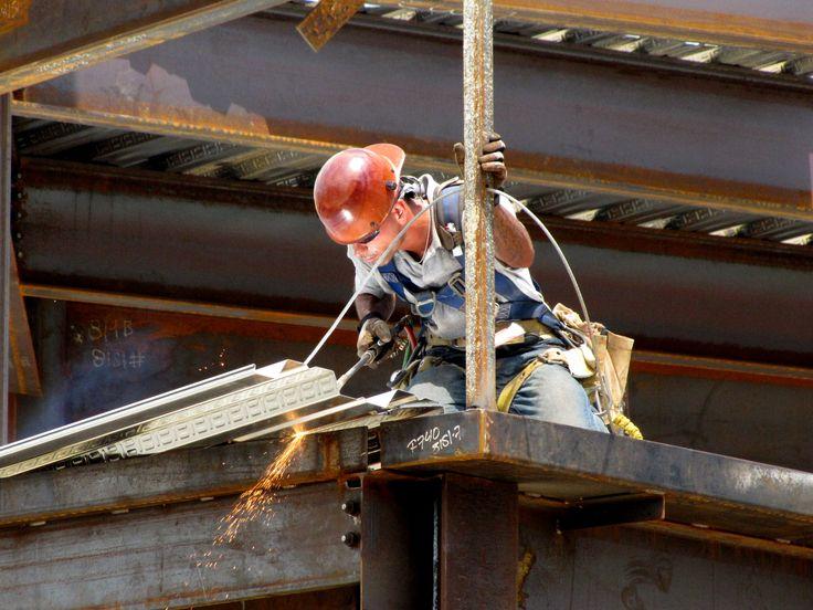 Jeżeli chcesz, aby w twoim zakładzie pracy bezpieczeństwo i higiena pracy były na wysokim poziomie, wybierz nasze usługi!