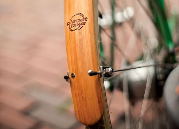 Urbane Rides: City Bike & Accessory Reviews