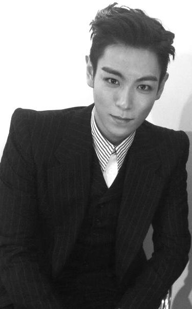 Tabi ♥  I ABSOLUTELY LOVE THIS PICTURE! There's just something about his gorgeous face...♥♥♥
