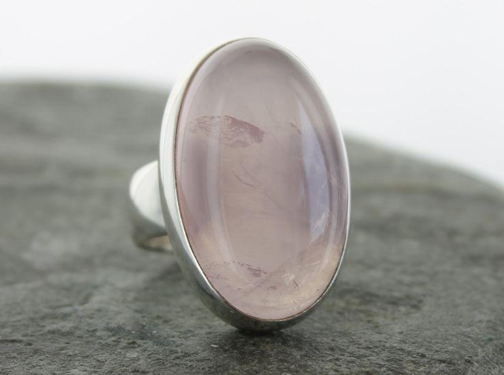 Bague Quartz rose en argent. Taille 61. Pierre naturelle. Bijoux Quartz  Rose. Bague pierre semi précieuse. Cabochon de quartz rose