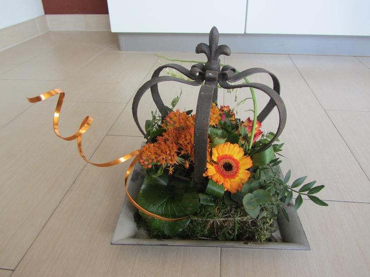 Een koninklijk bloemstuk welke de tafel zal opfleuren tijdens Koninginnedag 2013