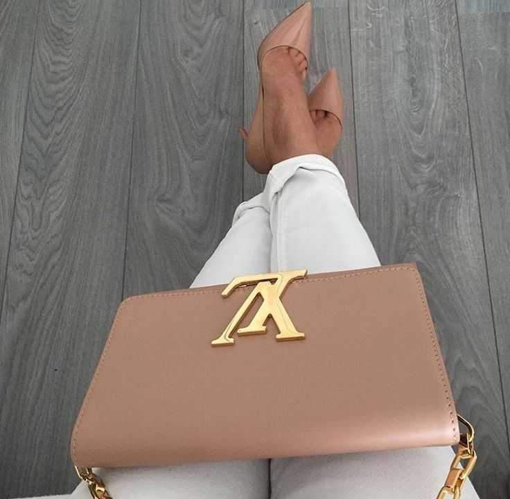 25 Best Ideas About Louis Vuitton Handbags On Pinterest