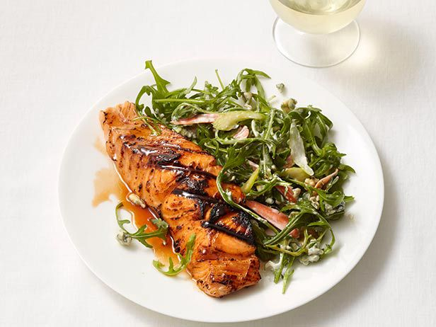 Buffalo-Style Salmon from #FNMag #myplate #protein: Food Network, Fish Seafood, Yummy Food, Buffalostyl Salmon, Buffalo Styles, Styles Salmon, Healthy Salmon, Salmon Recipes, Buffalo Styl Salmon