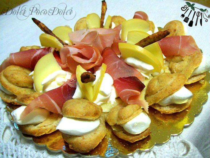 Torta rustica prosciutto e formaggio ricetta, torta salata, rustico ripieno, lievitato salato, panini ripieni, torta salata al formaggio, rustico prosciutto