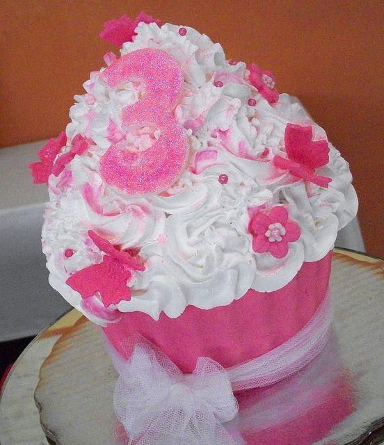 Pinky Giant Cupcake by sandra vidrio, via Flickr