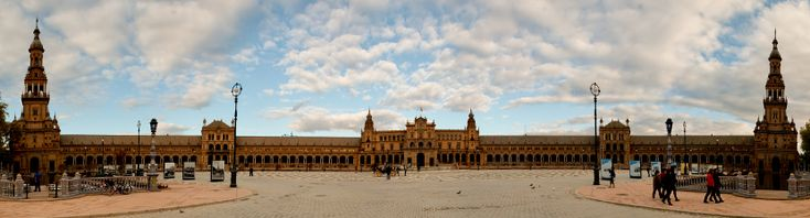 Curiosidades sobre la Plaza de España - http://www.absolutsevilla.com/curiosidades-sobre-la-plaza-de-espana/