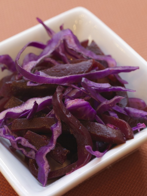 Red cabbage slaw – tangy, sweet and crunchy! Red cabbage, beets and ...