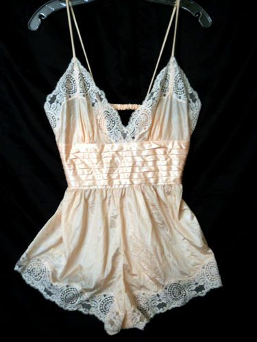 VTG-80S-ROSA-LILLY-OF-FRANCE-PINK-PLEAT-NYLON-TEDDY-ROMPER-LINGERIE-L