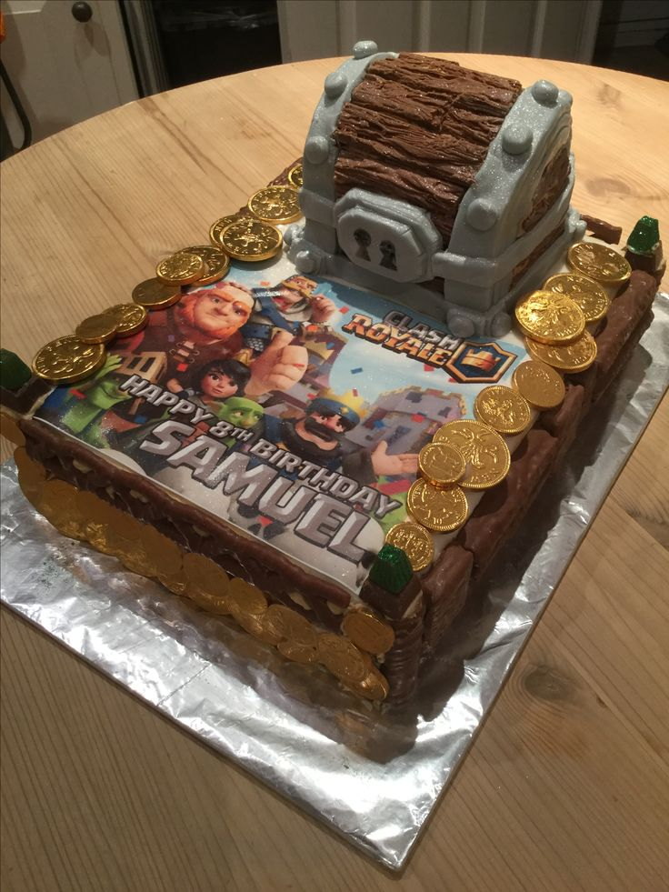 Mum made this cake for Samuel the clash royale super fan ! A giant chest made of…
