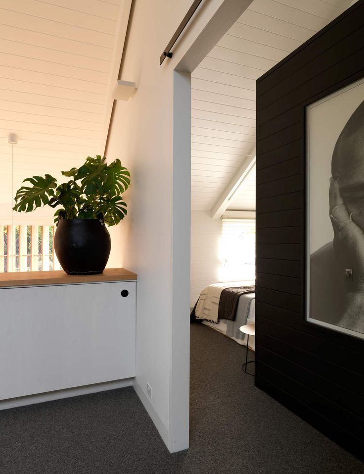 Interiors | alwill  #entry #artwork #wood