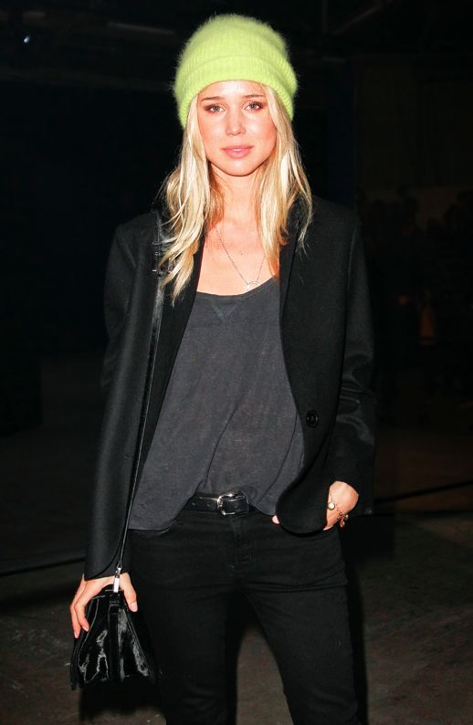 neon + blonde: Fashion, Style Inspiration, Street Style, Black Outfit, Beanie, Fall Winter, Winter Chic, Has, Elin Kling