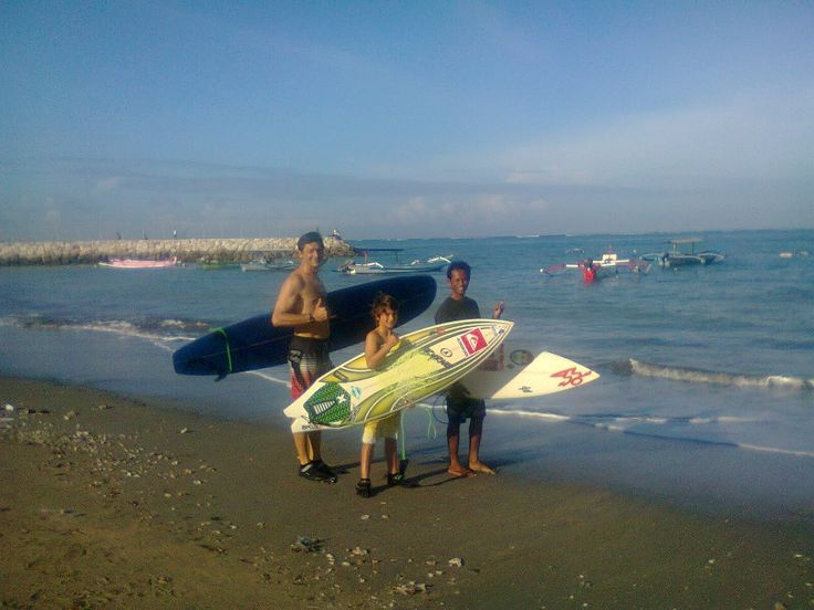 Let's go surfing with Bali Surf Waves having a lot of fun....!!! look for the best wave for your surf adventure in the island of Bali. http://www.balisurfwaves.com/