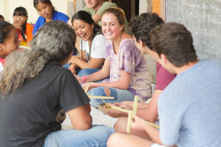 Our volunteers learning how to make Balinese offerings