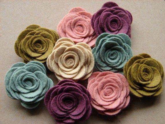 Felt flowers: Colors Combos, Wool Blend, Flowers Colors, Pretty Colors, Felt Rose, Hair Accessories, Felt Posi, Felt Flowers, The Originals