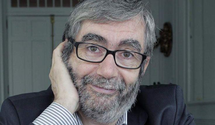 Antonio Muñoz Molina - https://ca.wikipedia.org/wiki/Antonio_Mu%C3%B1oz_Molina