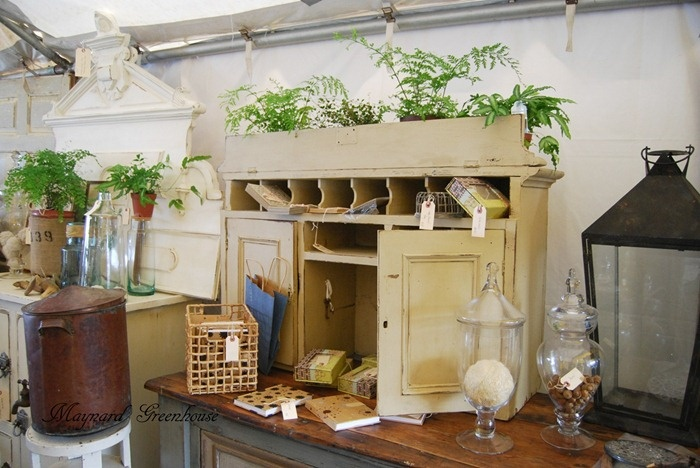 interesting cupboardDisplay Inspiration, Primitives Decor, Interesting Cupboards, Simply Serendipity