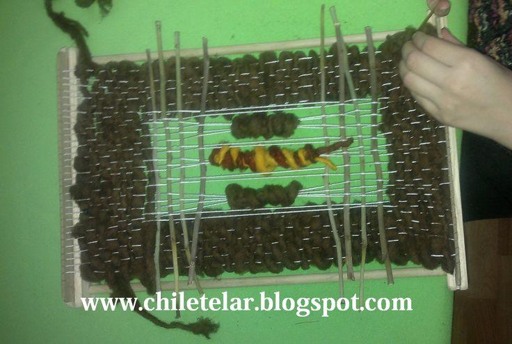 Seminario  Telar Mural en Santiago de Chile  Trabajo realizado de principio a fin e una sola jornada de seminario tercer nivel - Deshilado con aplicacion de elementos organicos http://www.chiletelar.blogspot.com