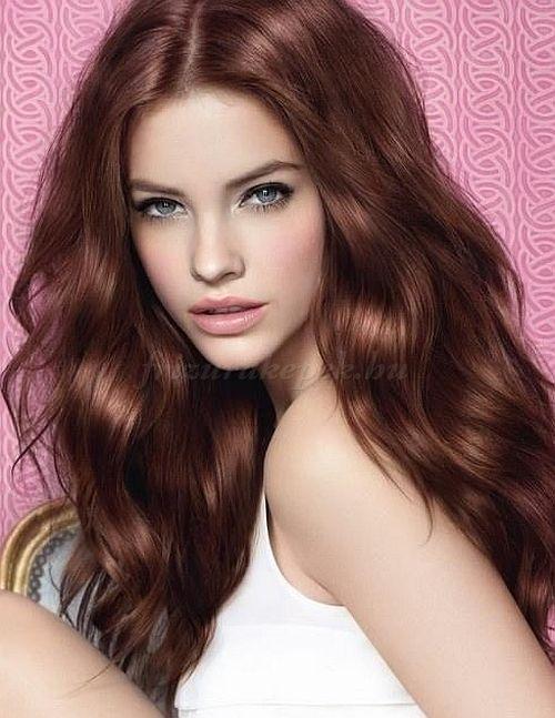 női+frizurák+hosszú+hajból+-+hullámos+hosszú+haj