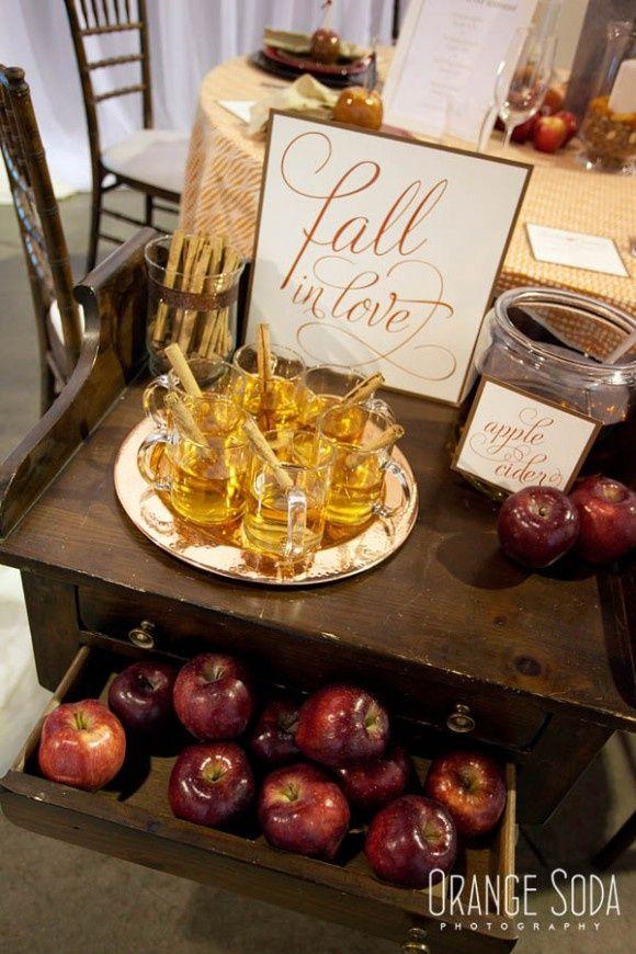 Mele rosse per un matrimonio autunnale http://theproposalwedding.blogspot.it/