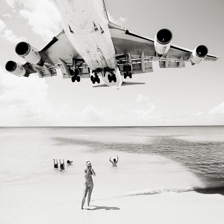 "Shooting Film: ""Jet Airliner"", Amazing Photos of Landing Jets Close to Beachgoers by Josef Hoflehner"