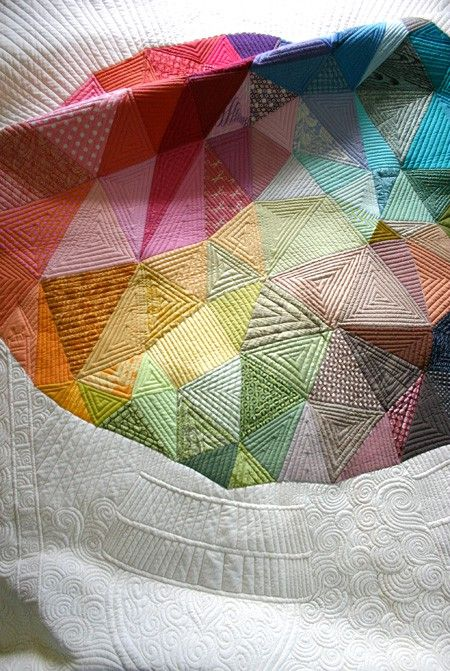 Incredible quilt!Amazing Quilt, Art, Rainbows Quilt, Beautiful Quilt, Triangles Quilt, Poetry Pink, Machine Quilt, Quilt Make, Colors Quilt