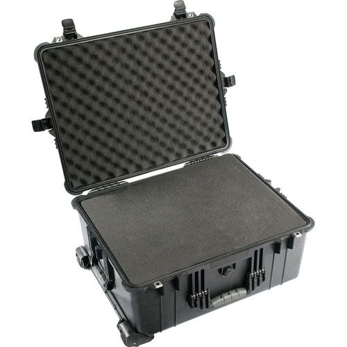 Pelican 1610 Case with Foam Set (Black)