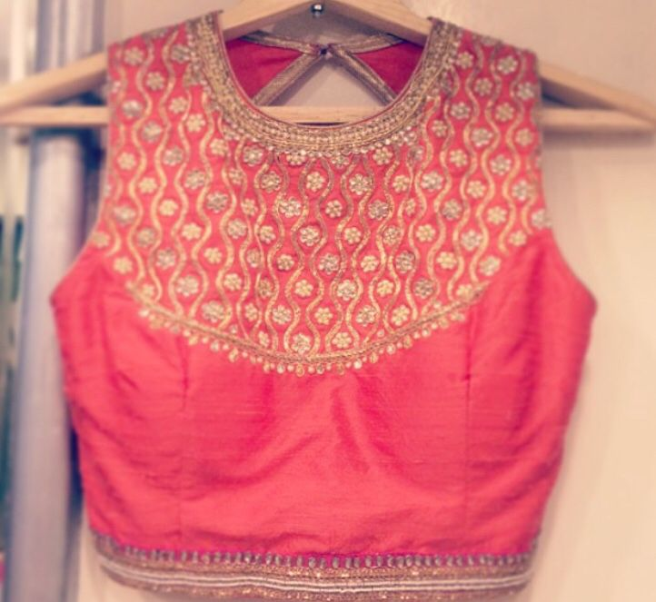 Gorgeous blouse #wedding #glam #indian #lehenga