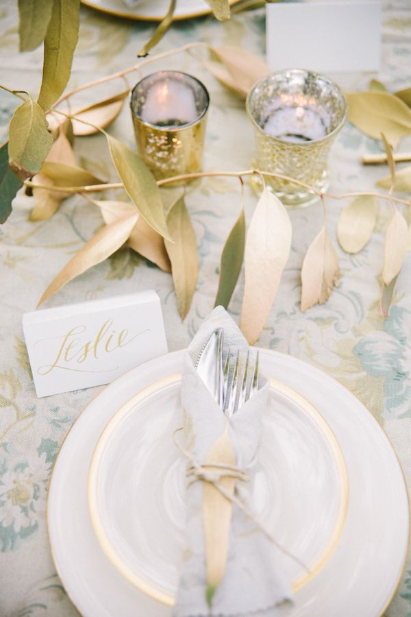 Gold accents & 38 best gold tablescapes images on Pinterest | Table decorations ...