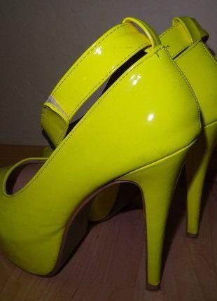 Kupuj mé předměty na #vinted http://www.vinted.cz/damske-boty/vysoke-podpatky/15984239-sexy-fosforove-zlute-lodicky-na-platforme